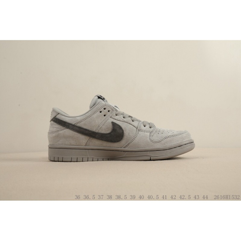 2018 OFF WHITE x Nike Air Force 1 Low White Black Gold AA8152 700